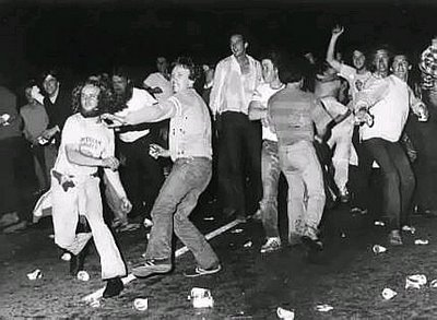 Stonewall-Inn-rioting.jpg